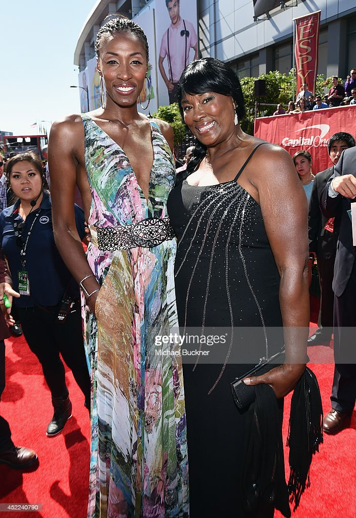 Former WNBA player Lisa Leslie (L) with mother Christine Leslie attends The 2014 ESPYS at Nokia Theatre L.A. Live on July 16, 2014 in Los Angeles, California.