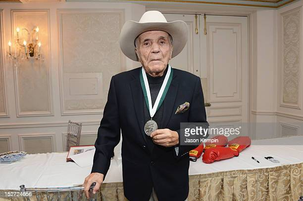 Former World Middleweight Chmapion boxer Jake LaMotta attends the 27th Annual Great Sports Legends Dinner to benefit the Buoniconti Fund to Cure...