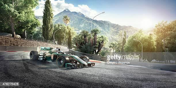 フォーミュラ 1 レースカーを追跡