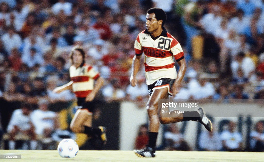 Fort Lauderdale Strikers and Peru player <a gi-track='captionPersonalityLinkClicked' href=/galleries/search?phrase=Teofilo+Cubillas&family=editorial&specificpeople=2616760 ng-click='$event.stopPropagation()'>Teofilo Cubillas</a> in action during a NASFL game circa September 1980.