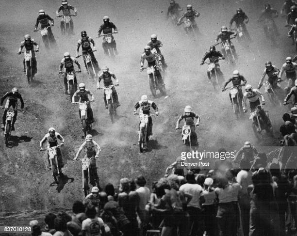 Forty Cyclists Scramble For Lead At Start Of 250 cc Motorcross Sunday Bob Hanunah of Whittier Cali Won moto to lead Yamaha factory team to win in...