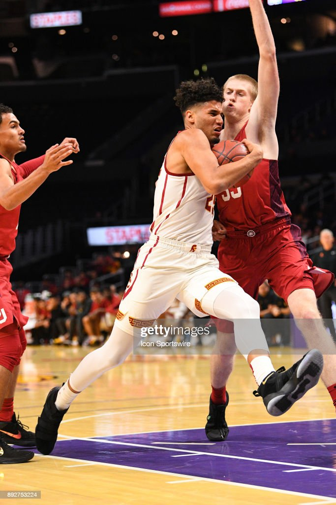 USC forward Bennie Boatwright (25) drives to the basket during an college basketball game between the Oklahoma Sooners and the USC Trojans in the Basketball Hall of Fame Classic on December 8, 2017 at STAPLES Center in Los Angeles, CA.