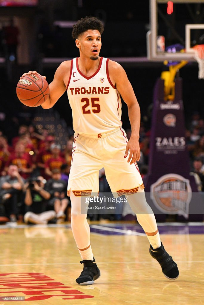 USC forward Bennie Boatwright (25) sets up the offense during an college basketball game between the Oklahoma Sooners and the USC Trojans in the Basketball Hall of Fame Classic on December 8, 2017 at STAPLES Center in Los Angeles, CA.