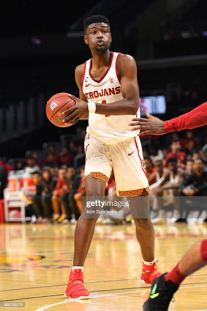 USC forward Chimezie Metu (4) looks to make a pass during an college basketball game between the Oklahoma Sooners and the USC Trojans in the Basketball Hall of Fame Classic on December 8, 2017 at STAPLES Center in Los Angeles, CA.