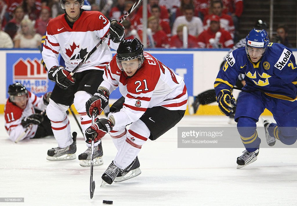 Forward Cody Eakin #21 of Canada goes to the net during the 2011 IIHF World U20 Championship game between Canada and Sweden on December 31, 2010 at HSBC Arena in Buffalo, New York.