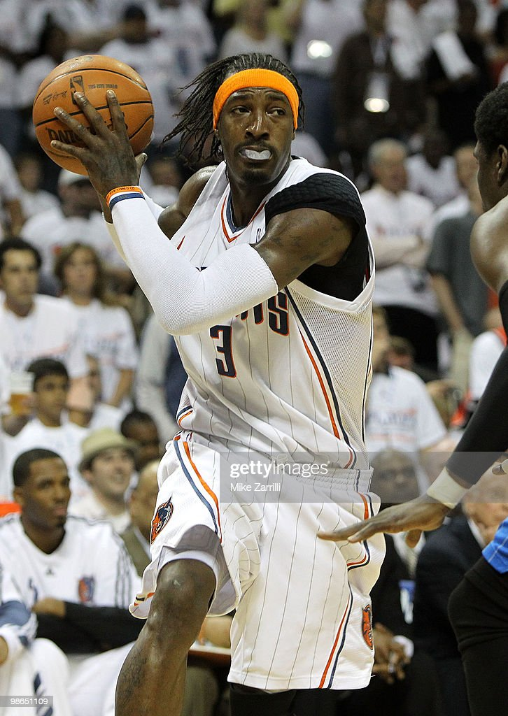 Forward <a gi-track='captionPersonalityLinkClicked' href=/galleries/search?phrase=Gerald+Wallace&family=editorial&specificpeople=202117 ng-click='$event.stopPropagation()'>Gerald Wallace</a> #3 of the Charlotte Bobcats looks to drive to the basket during Game Three of the Eastern Conference Quarterfinals during the 2010 NBA Playoffs at Time Warner Cable Arena on April 24, 2010 in Charlotte, North Carolina. The Magic beat the Bobcats 90-86.