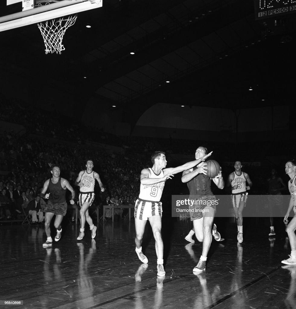 Fort Wayne Zollner Pistons v Rochester Royals