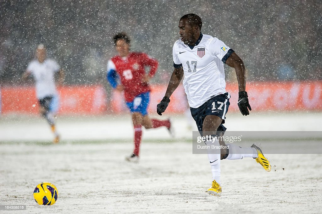 Forward <a gi-track='captionPersonalityLinkClicked' href=/galleries/search?phrase=Jozy+Altidore&family=editorial&specificpeople=4234131 ng-click='$event.stopPropagation()'>Jozy Altidore</a> #17 of the United States during a FIFA 2014 World Cup Qualifier match between Costa Rica and United States at Dick's Sporting Goods Park on March 22, 2013 in Commerce City, Colorado.