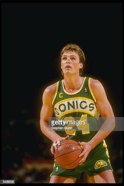 Forward Tom Chambers of the Seattle SuperSonics looks to shoot the ball during a game against the Los Angeles Lakers at the Great Western Forum in...