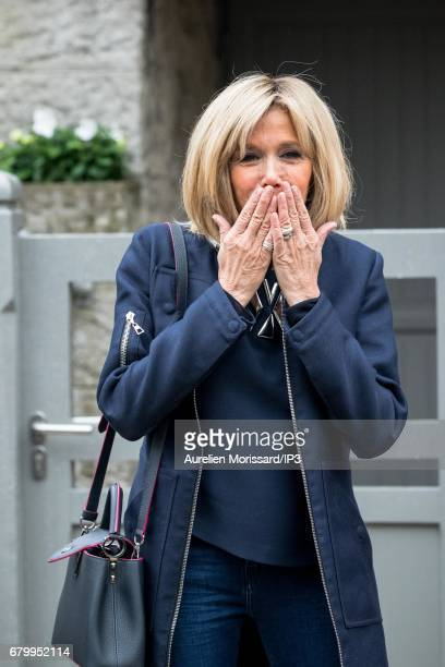 Founder and Leader of the political movement 'En Marche ' and Presidential candidate Emmanuel Macron and his wife Brigitte Trogneux leave their...