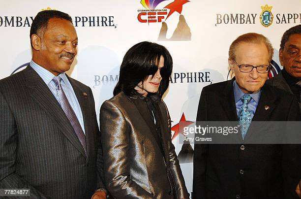 Founder and President of the Rainbow PUSH Coalition Reverend Jesse Jackson Sr Singer Michael Jackson and talk show host Larry King attend the VIP...