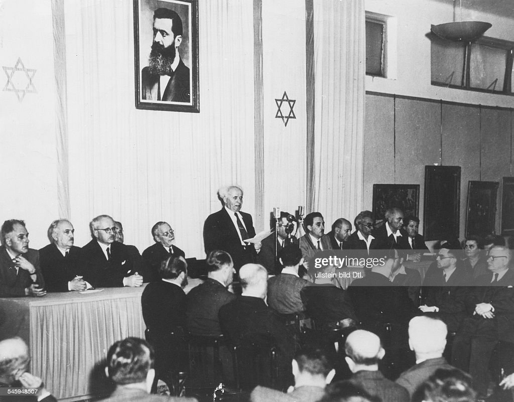 Prime minister David Ben Gurion reads out on the eve of the independance the proclamation of the State of Israel in the city museum of art 13 mai 1948