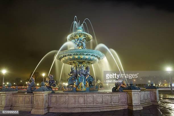 Fountain at night at Place de la Concorde