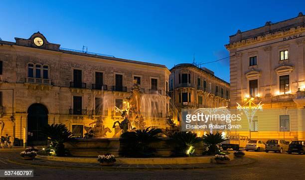 Fountain of Artemis, Archimedes Square, Ortigia