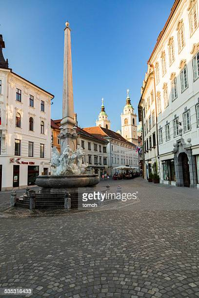 Brunnen von drei carniolan Flüsse in Ljubljana (Slowenien)