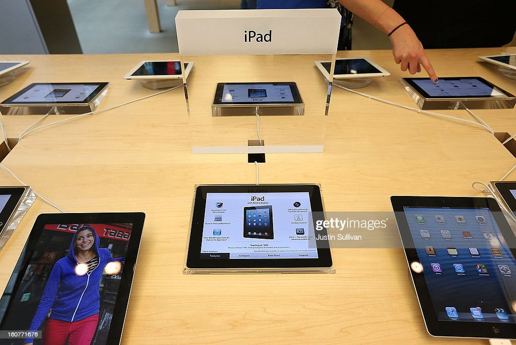 Fourth generation Apple iPads are seen on display at an Apple store on February 5, 2013 in San Francisco, California. The new 128GB Apple iPad 4 went on sale today across the nation with a price tag of $799 for the wi-fi only model. LTE 4G and 3G models are selling for $929.