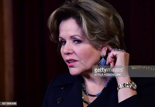 Fourtimes Grammy award winner American opera star soprano Renee Fleming is pictured at the State Opera House in Budapest on January 18 2017 / AFP /...