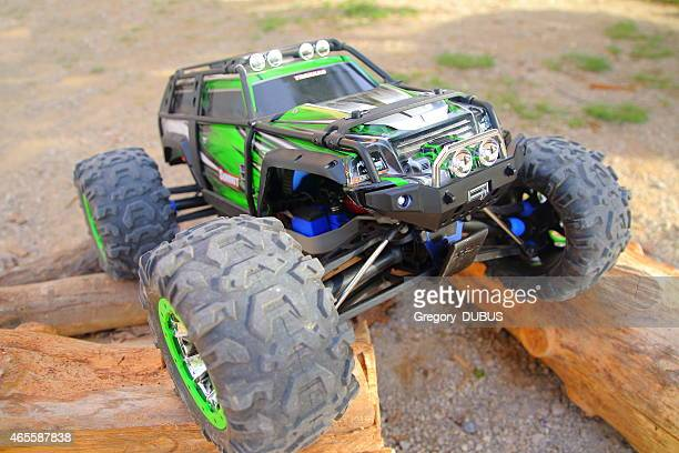 Four-wheel drive remote controlled car