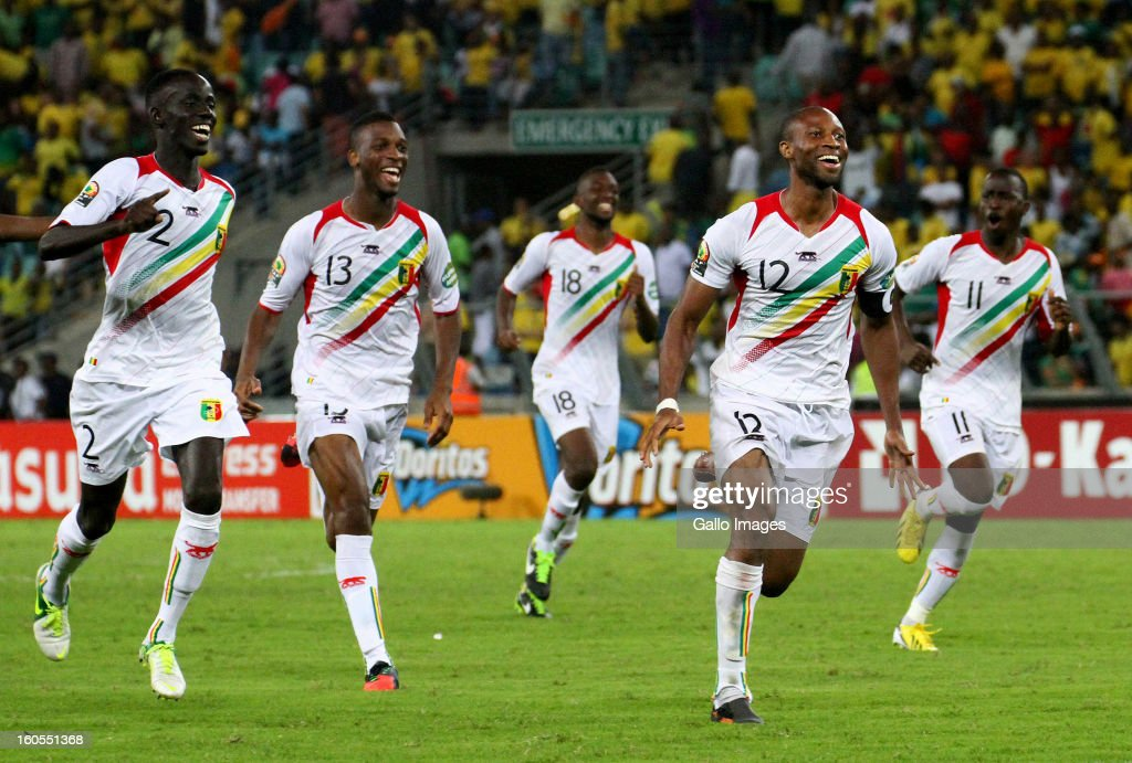 Fousseni Diawara, Molla Wague, Samba Sow, Seydou Keita and Sigamary Diarra of Mali celebrate during the 2013 African Cup of Nations Quarter Final 2 match between South Afica and Mali from Moses Mabhida Stadium on February 02, 2013 in Durban, South Africa.
