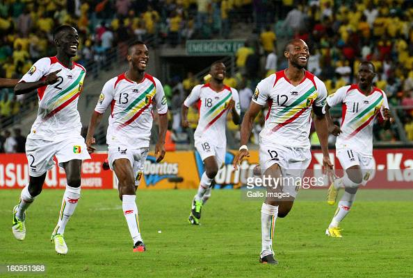 Fousseni Diawara Molla Wague Samba Sow Seydou Keita and Sigamary Diarra of Mali celebrate during the 2013 African Cup of Nations Quarter Final 2...