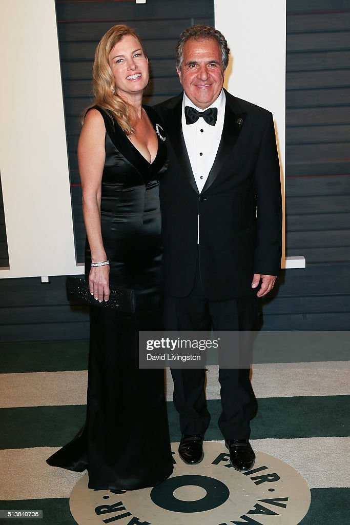 Fox Filmed Entertainment Chairman and CEO Jim Gianopulos (R) and Ann Gianopulos arrive at the 2016 Vanity Fair Oscar Party Hosted by Graydon Carter at the Wallis Annenberg Center for the Performing Arts on February 28, 2016 in Beverly Hills, California.