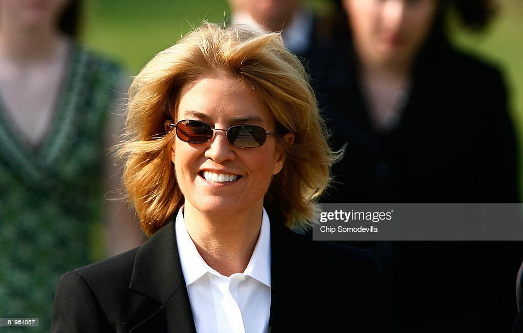 Fox News host Greta Van Susteren arrives for the funeral for former White House Press Secretary Tony Snow at the Basillica of the National Shrine of the Immaculate Conception July 17, 2008 in Washington, DC. U.S. President George W. Bush and first lady Laura Bush attended the funeral for Snow, who died Saturday after a long battle with colon cancer.