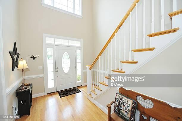 A entrada e escadas