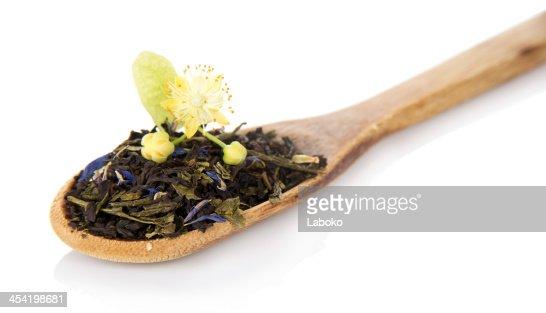 Fragrant Folhas de Chá com cornflowers : Foto de stock