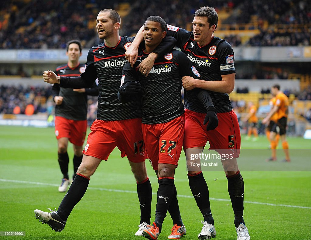 <a gi-track='captionPersonalityLinkClicked' href=/galleries/search?phrase=Fraizer+Campbell&family=editorial&specificpeople=2107990 ng-click='$event.stopPropagation()'>Fraizer Campbell</a> of Cardiff (centre) celebrates scoring their second goal during the npower Championship match between Wolverhampton Wanderers and Cardiff City at Molineux on February 24, 2013 in Wolverhampton, England.
