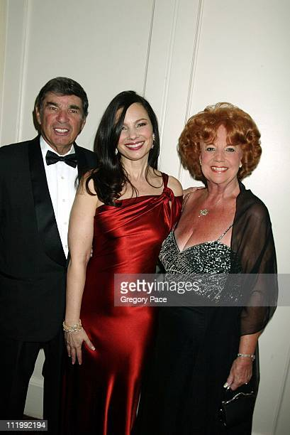 Fran Drescher with her father Morty and mother Sylvia
