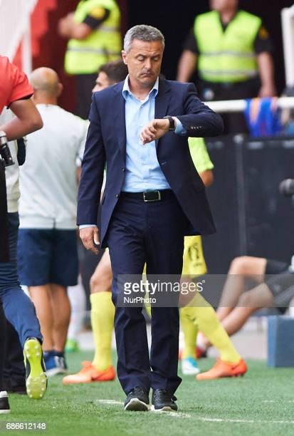 Fran Escriba head coach of Villarreal CF during their La Liga match between Valencia CF and Villarreal CF at the Mestalla Stadium on 21th May 2017 in...