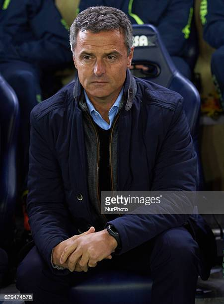 Fran Escriba head coach of Villarreal CF looks on prior the Spanish League match beetween Villarreal CF and Atletico de Madrid at El Madrigal Stadium...