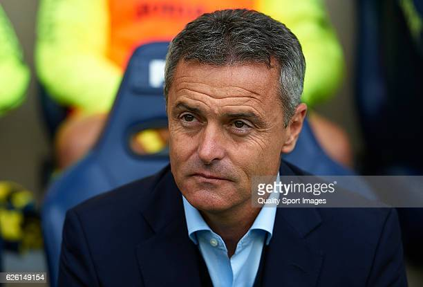 Fran Escriba Manager of Villarreal looks on prior to the La Liga match between Villarreal CF and Deportivo Alaves at El Madrigal on November 27 2016...