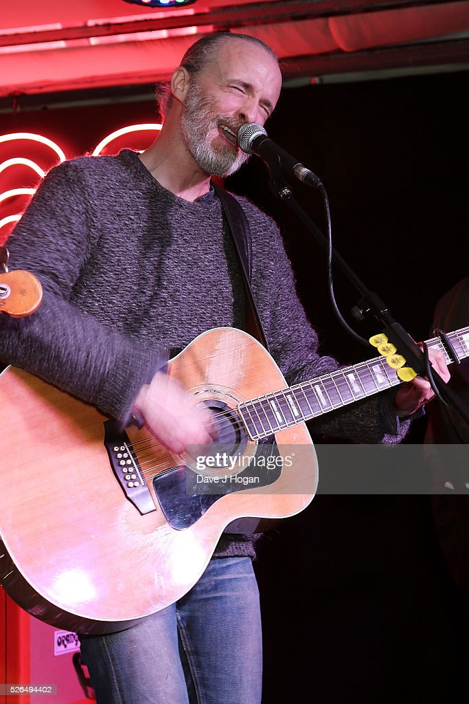 <a gi-track='captionPersonalityLinkClicked' href=/galleries/search?phrase=Fran+Healy&family=editorial&specificpeople=226587 ng-click='$event.stopPropagation()'>Fran Healy</a> of Travis performs songs from the new album 'Everything At Once' at HMV Oxford Street on April 30, 2016 in London, England.