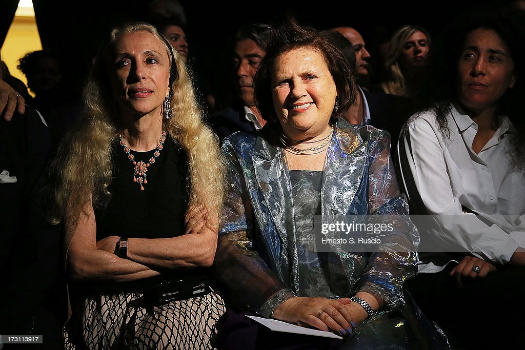 <a gi-track='captionPersonalityLinkClicked' href=/galleries/search?phrase=Franca+Sozzani&family=editorial&specificpeople=639425 ng-click='$event.stopPropagation()'>Franca Sozzani</a> and <a gi-track='captionPersonalityLinkClicked' href=/galleries/search?phrase=Suzy+Menkes&family=editorial&specificpeople=816435 ng-click='$event.stopPropagation()'>Suzy Menkes</a> attend the Jean Paul Gaultier Couture fashion show as part of AltaRoma AltaModa Fashion Week Autumn/Winter 2013 on July 7, 2013 in Rome, Italy.