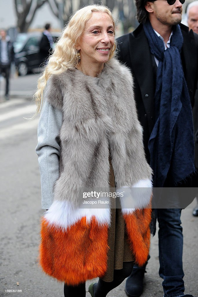 <a gi-track='captionPersonalityLinkClicked' href=/galleries/search?phrase=Franca+Sozzani&family=editorial&specificpeople=639425 ng-click='$event.stopPropagation()'>Franca Sozzani</a> arrives at Giorgio Armani during Milan Fashion Week Menswear Autumn/Winter 2013 on January 15, 2013 in Milan, Italy.