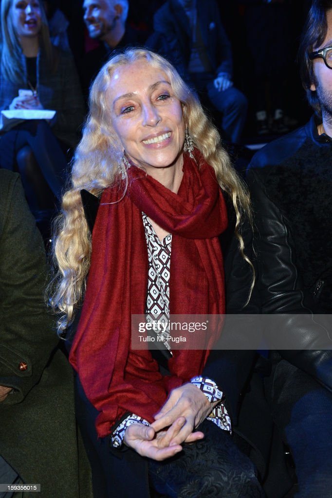 <a gi-track='captionPersonalityLinkClicked' href=/galleries/search?phrase=Franca+Sozzani&family=editorial&specificpeople=639425 ng-click='$event.stopPropagation()'>Franca Sozzani</a> attends the Versace show as part of Milan Fashion Week Menswear Autumn/Winter 2013 on January 12, 2013 in Milan, Italy.