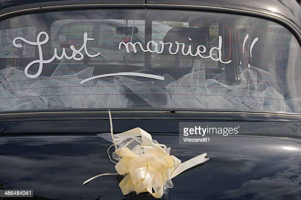 France, Bretagne, Finistere, London Taxi International, car window with inscription just married