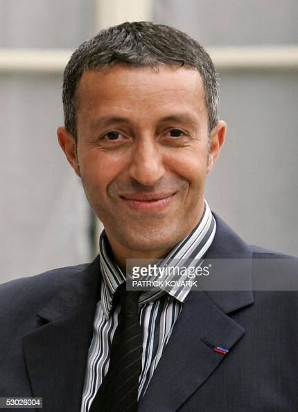 French Promotion of Equal Opportunity Deputy Minister Azouz Begag arrives at the Elysee Palace before the first cabinet meeting of the new French...
