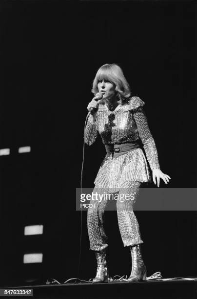 France Gall interprete le role de Cristal dans la comedie musicale de Michel Berger Starmania en 1979 Paris France