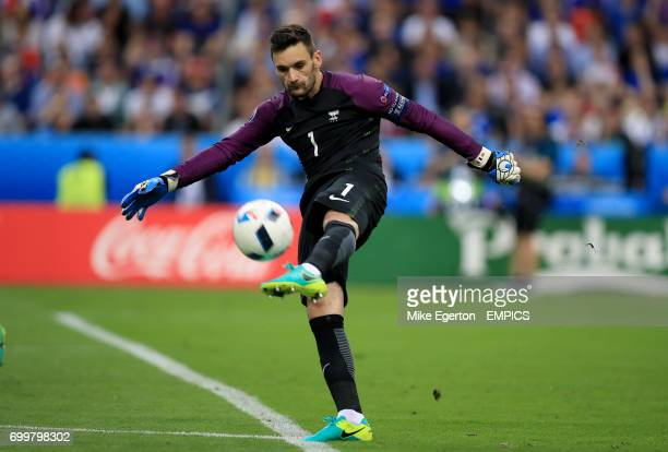 France goalkeeper Hugo Lloris in action