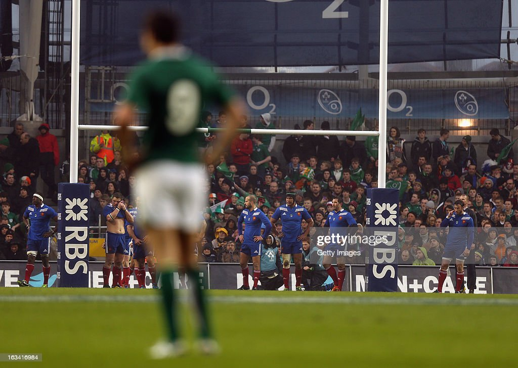 France look on during the RBS Six Nations match between Ireland and France at the Aviva Stadium on March 9, 2013 in Dublin, Ireland.