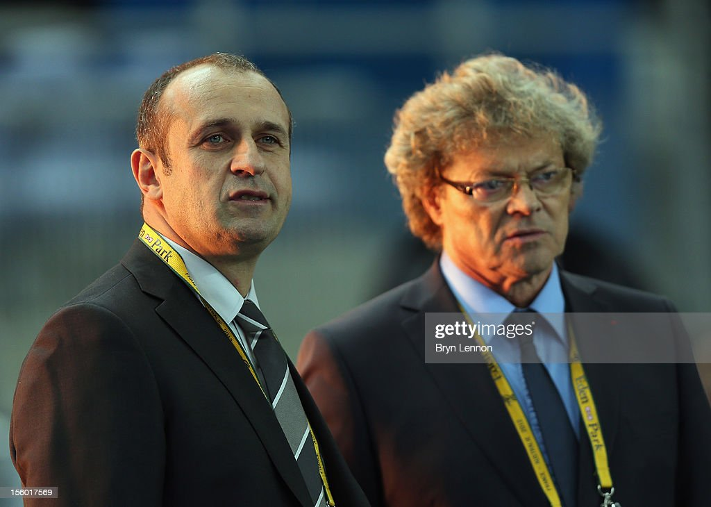 France Manager Philippe Saint-Andre (l) chats to Jo Maso prior to the Autumn International match between France and Australia at Stade de France on November 10, 2012 in Paris, France.