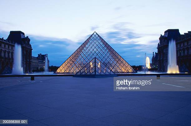 France, Paris, Louvre Museum, Pei Pyramid, dusk