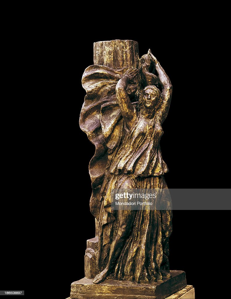 France Paris Musee Bourdelle Whole artwork view Statue of the American dancer who revolutionized modern dance with an old rype dress blowing in the...