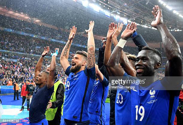France players applauds their supporters after their team's 52 win in the UEFA EURO 2016 quarter final match between France and Iceland at Stade de...