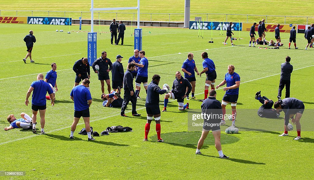 France players warm up during a France IRB Rugby World Cup 2011 training session at Onewa Domain on October 20, 2011 in Takapuna, New Zealand.