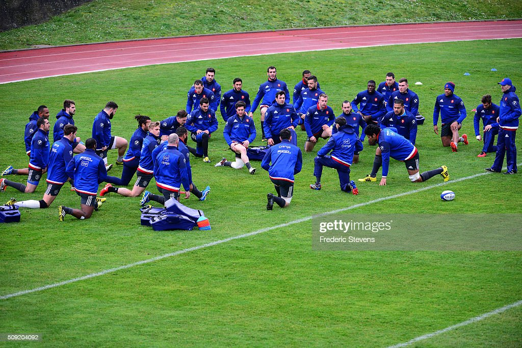 France rugby union national team players run during a training session at National center of rugby ahead of their Six Nations match against Ireland, on February 9, 2016 in Marcoussis, Paris, France.