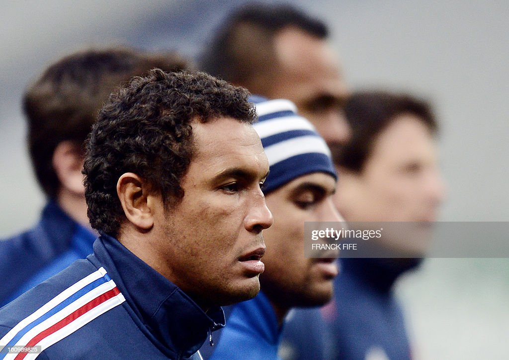 France rugby union national team's captain Thierry Dusautoir runs during a training session on February 8, 2013 at the Stade de France in Saint-Denis, north of Paris, on the eve of the rugby union 6 Nations tournament match against Wales. AFP PHOTO / FRANCK FIFE