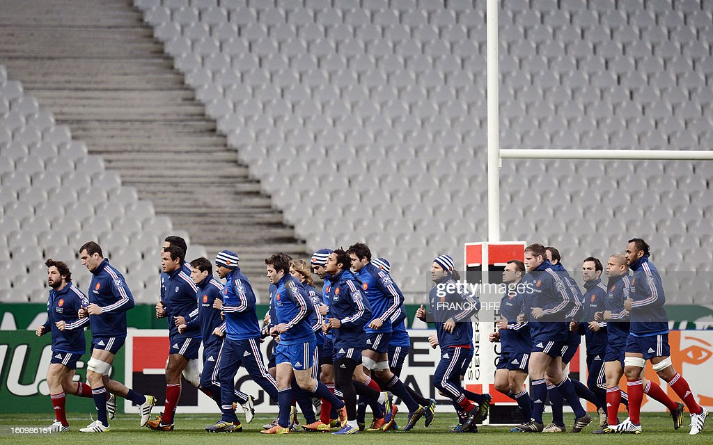 France rugby union national team's players run during a training session, on February 8, 2013 at the Stade de France in Saint-Denis, north of Paris, on the eve of the rugby union 6 Nations tournament match against Wales. AFP PHOTO / FRANCK FIFE